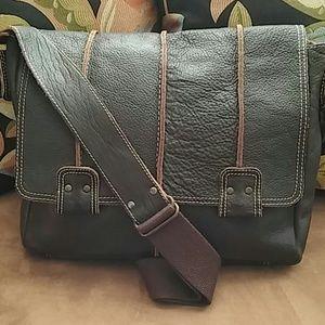 Wilson's Leather Messengers Bag